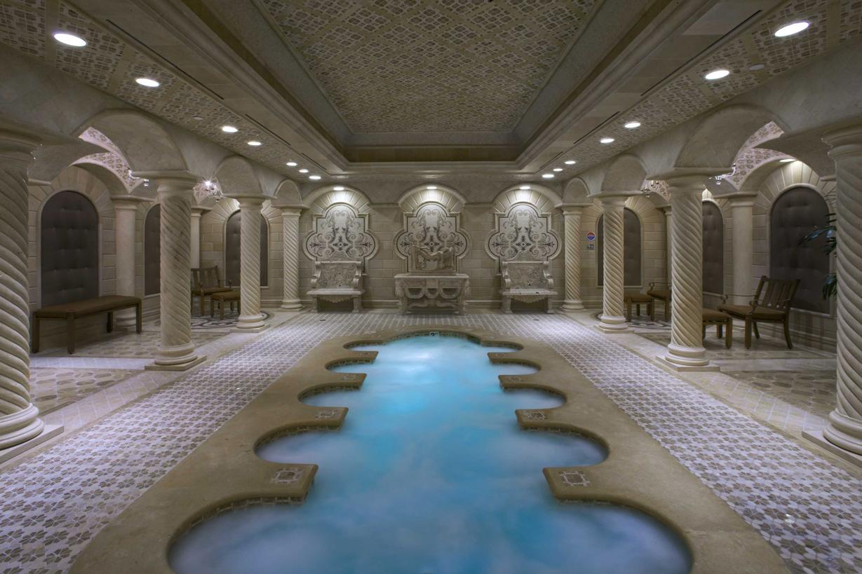las-vegas-high-rise-condo-queensridge-pool