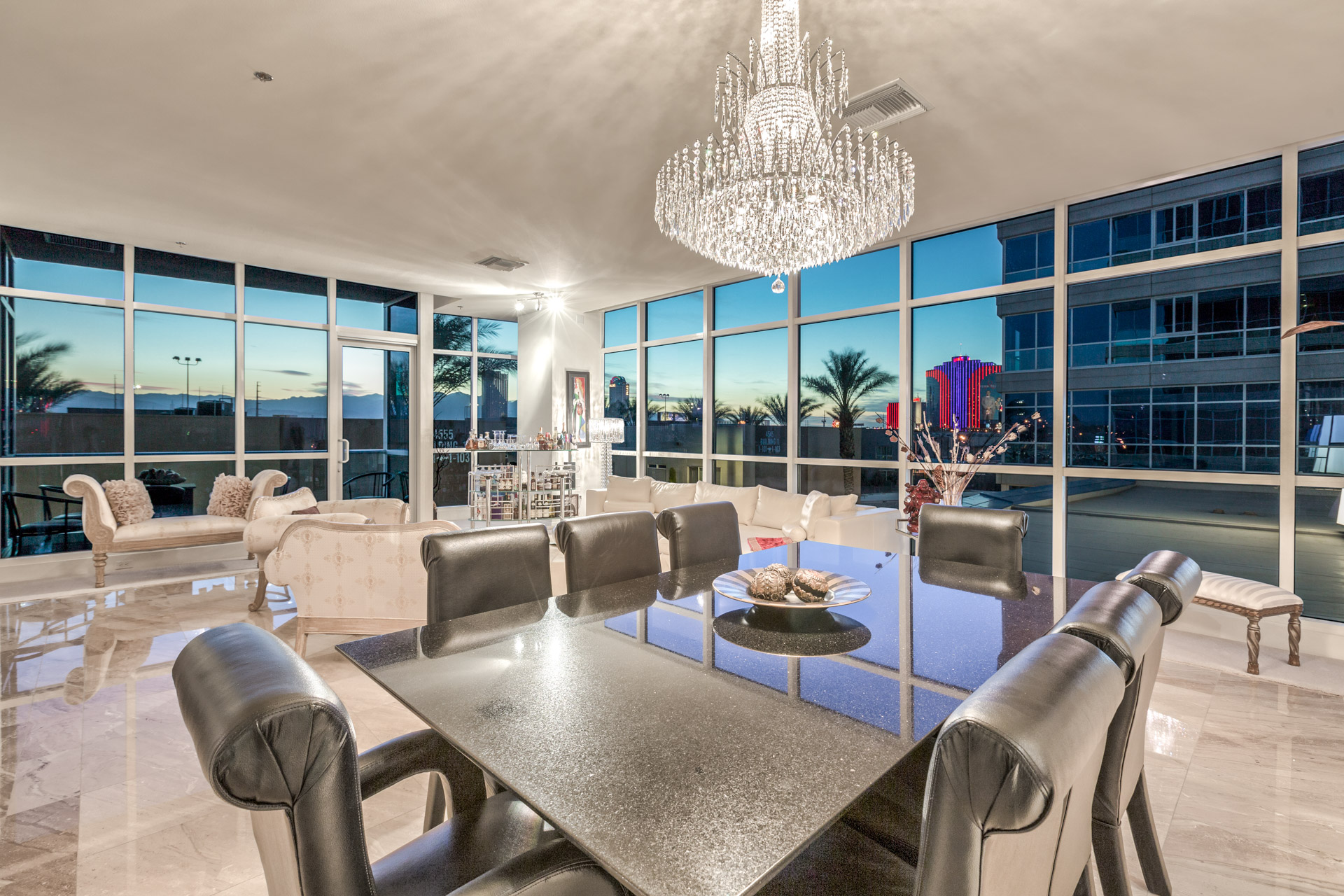 panorama-towers-condo-for-sale-307-great-room