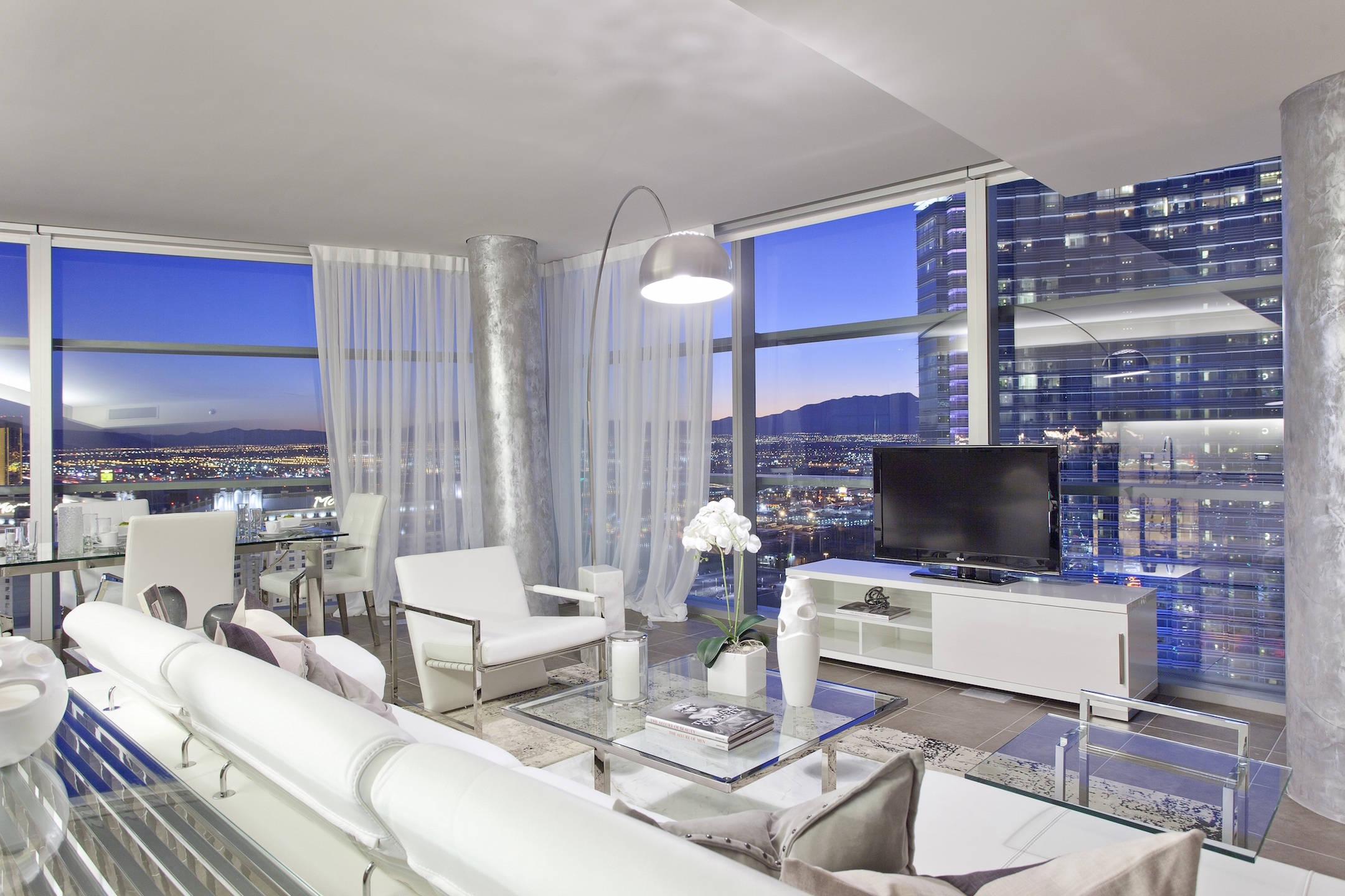 Las-Vegas-Penthouses-For-Sale-Less-Than-$1-Million