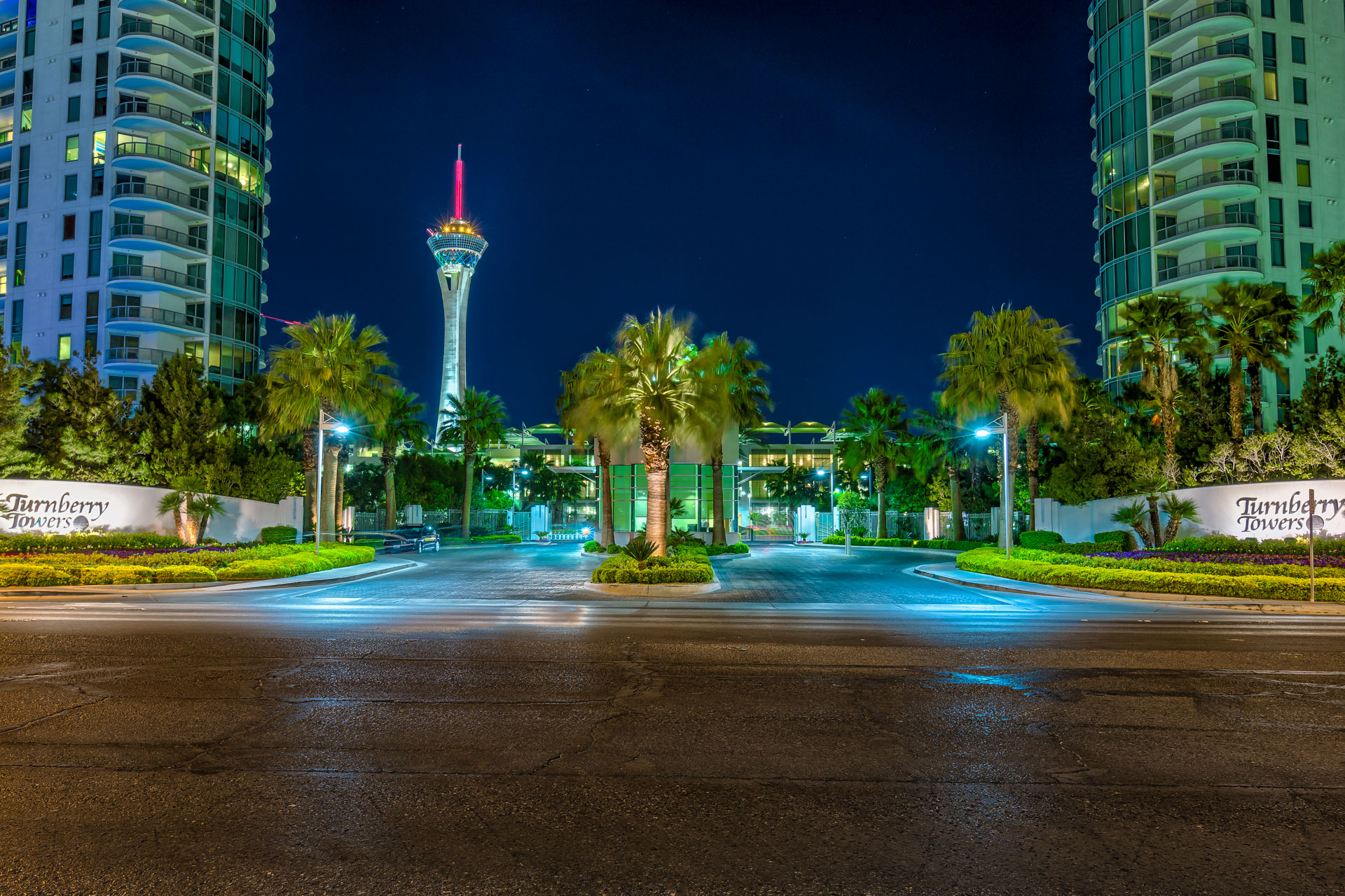 Turnberry-Towers-Las-Vgeas-Condos-for-Sale-Guard-Gated-Entry